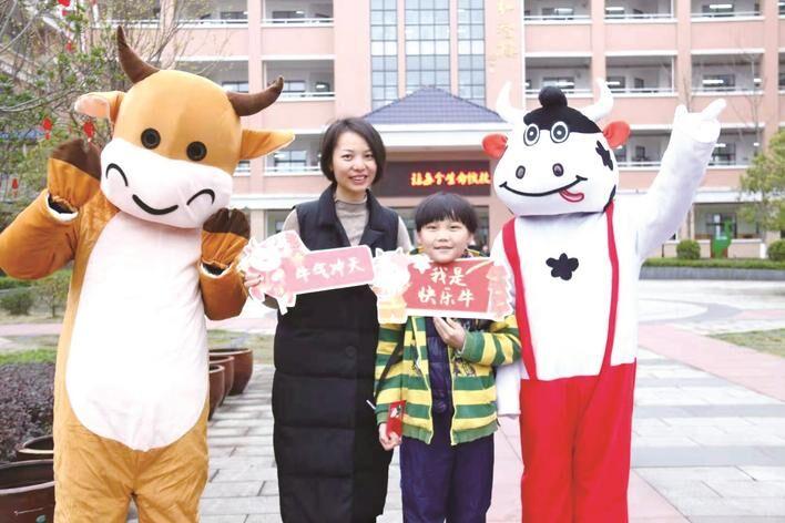 长沙县15万中小学生迎来新学期